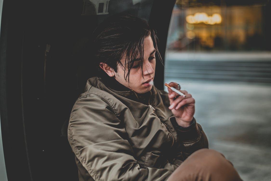 Jongeren roken minder